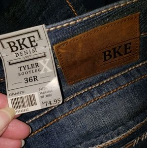 BKE Jeans - Nwt BKE Tyler BootLeg Relaxed Fit, Mid Rise sz 36R